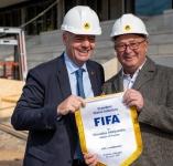 """FIFA prezidentas Gianni Infantino įvertino Kaune kylantį stadioną: """"Čia bus viskas, ko reikia pergalėms"""""""